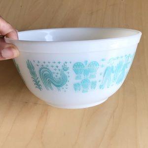 PYREX | Amish Butterprint 1 1/2 Qt Mixing Bowl